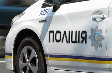 У Харкові поліцейські вивезли жінку до лісосмуги, щоб вибити зізнання у крадіжці