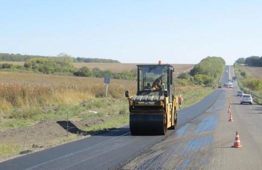 В Харківській області триває ремонт доріг місцевого значення