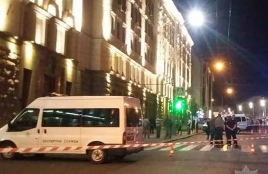 Вночі невідомий влаштував стрілянину у будівлі міськради Харкова (Фото, відео)