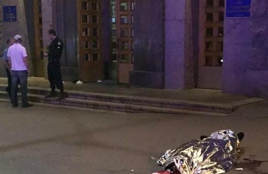 Поліція оприлюднила фото нападника на міськраду в Харкові та розповіла, що він був у стані сильного сп`яніння