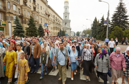 Центром Харкова пройде хресна хода: як поїде транспорт