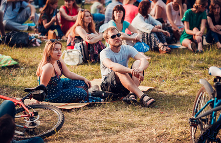 Харків'ян та гостей міста потішать яскравим фестивалем просто неба