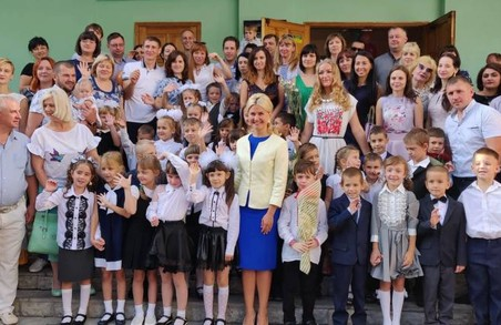 27 тисяч першокласників тепер навчаються в Новій українській школі —  Світлична