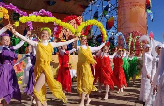 На Слобожанському ярмарку представлені 700 підприємств та 2,5 тисячі видів товарів — Світлична