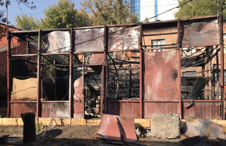 В Харкові згоріла господарча будівля