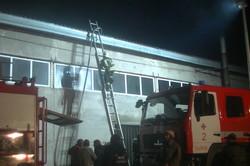 На Харківському підприємстві сталася велика пожежа, одна людина загинула (фото)