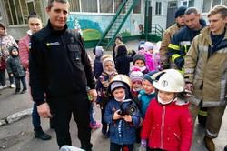 У Харкові рятувальники провели відпрацювання у дитячому садочку (ФОТО)