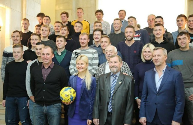 Світлична зустрілася з футболістами, тренерами та керівництвом ФК «Металіст 1925»