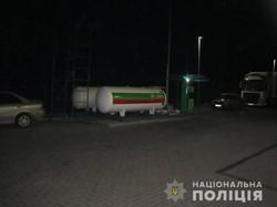 Під Харковом чоловік погрожував підірвати автозаправну станцію