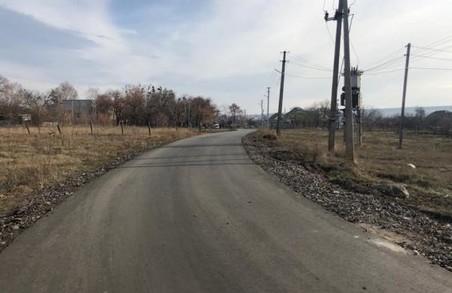 У Руській Лозовій відремонтували дорогу та влаштували вуличне освітлення