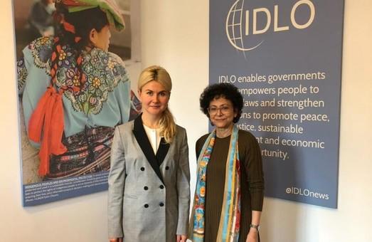 Світлична обговорила боротьбу з корупцією з генеральним директором IDLO