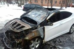 Цієї ночі в Харкові згоріли два автомобілі