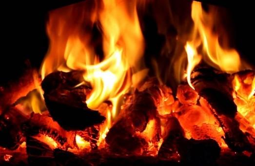 В Харкові загорівся будинок, одна людина загинула
