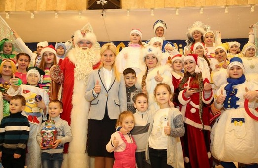 Юлія Світлична відвідала головну ялинку області (ФОТО)
