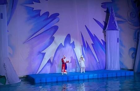 В басейні «Локомотив» стартували новорічні ялинки на воді