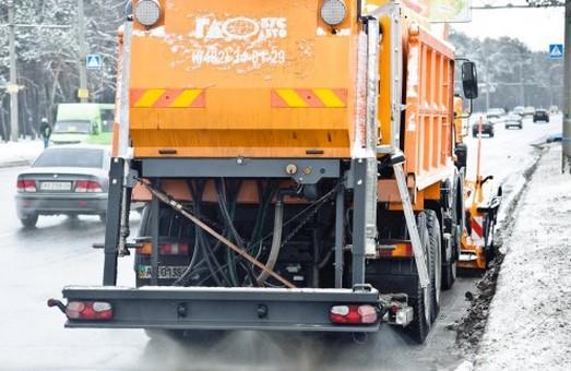 З вулиць Харкова вивезли 513 куб. м снігу і криги