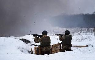 На Донбасі за добу бойовики тричі відкривали вогонь у бік українських військових