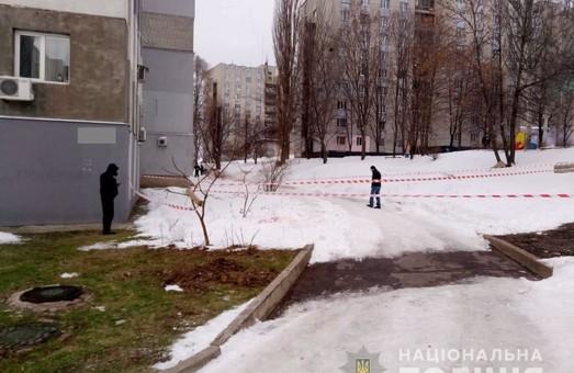 Харківський поліцейських, в якого стріляли невідомі, знаходиться в тяжкому стані