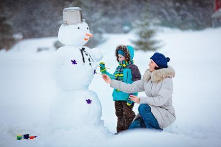Харків'яни ліпитимуть сніговиків та допомагатимуть хворим дітям