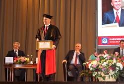 Каразінський університет присудив Олександру Ярославському звання почесного доктора