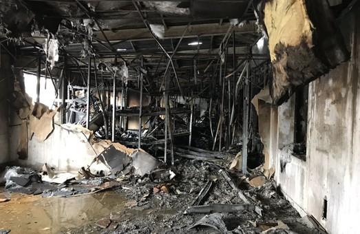 В Харкові загорівся склад швейної фурнітури (фото, відео)