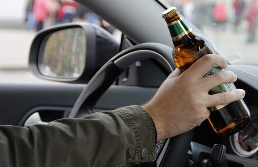 В Харкові зупинили п'яного водія, який перевищив «норму» майже в 14 разів