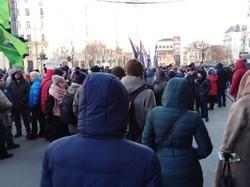 Понад тисячі харків'ян йдуть маршем по центру Харкова проти подорожчання проїзду
