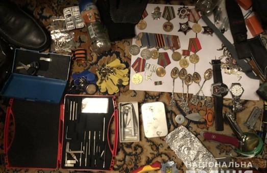 В Харкові затримано серійних квартирних крадіїв (фото)