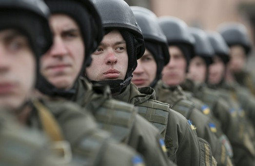 На контрактну службу мають призвати 1500 мешканців Харківської області