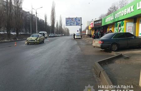 В Харкові внаслідок ДТП постраждала людина (фото)