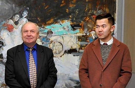 Харків'ян запрошують на зустріч з автором виставки «Кольорові дотики»