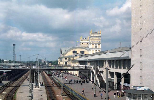 На травневі свята з Харкова пустять додаткові потяги до Києва, Львова та Покровська