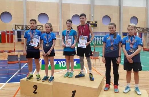 Юні харківські бадмінтоністи стали переможцями в Латвії