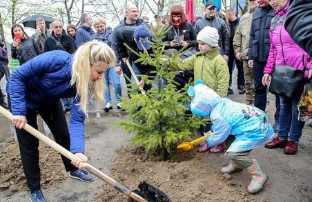«Ми приїхали взяти участь у вирішенні екологічного питання та посадити дерева – Світлична