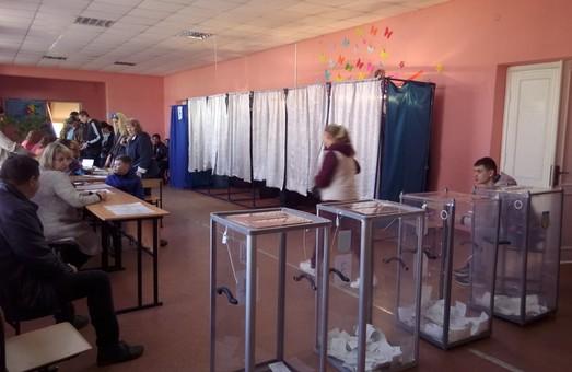 Поліція фіксує перші порушення на виборах Президента на Харківщині