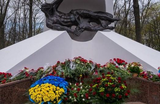 Харків'яни вшанують пам'ять ліквідаторів Чорнобильської АЕС
