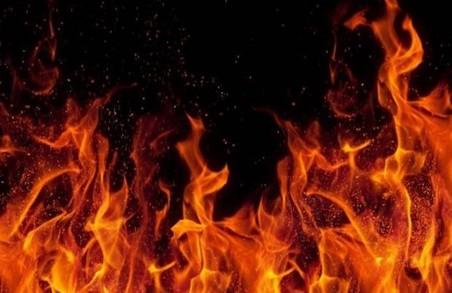 На Харківщині сталася пожежа внаслідок удару блискавки