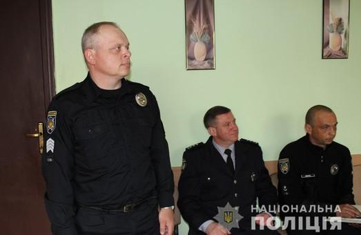 Харківський поліцейський, який врятував пасажирів маршрутки від ДТП, заохочений відзнакою МВС України