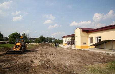 На Харківщині завершують будівництво нової школи