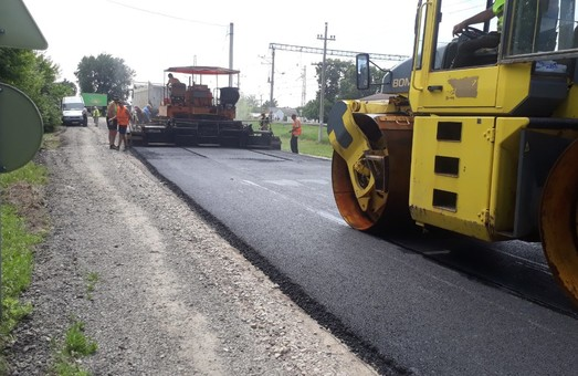 На Харківщині продовжують ремонтувати дороги державного значення