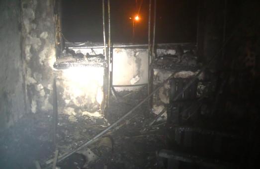 У Харкові  під час гасіння пожежі у квартирі рятувальники виявили загиблу жінку