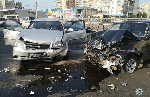 В Харкові сталася ДТП за участі іномарки
