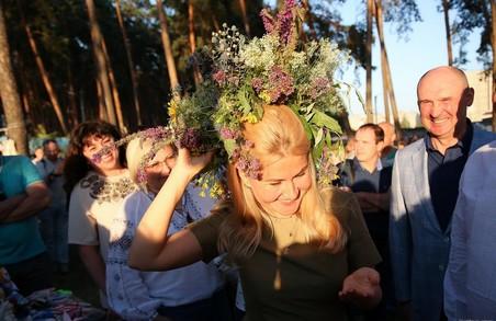 Світлична вручила жителям громади Пісочина відзнаки Харківської ОДА під час святкування Івана Купала