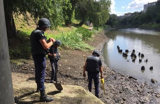 Під харківським мостом виявили гранату