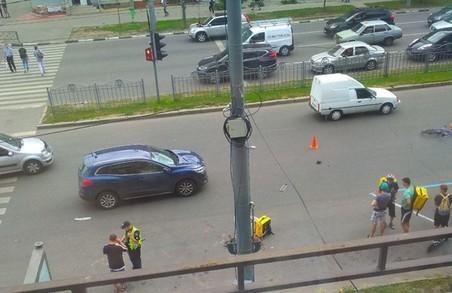 У центрі Харкова водій іномарки збив велосипедиста