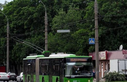 Низка харківських тролейбусів змінює схеми руху