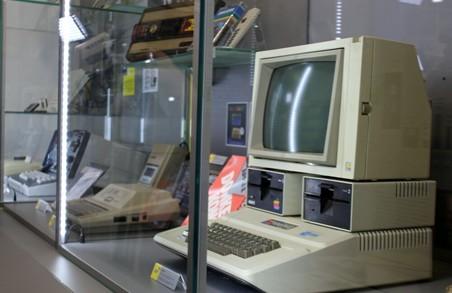 Харківські пенсіонери опановують комп'ютери та пробують себе в нових професіях