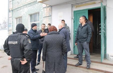 """Власники ТМ """"ГАЛС"""" та ПП """"ВМЕЗ"""" пішли в атаку на валківських рейдерів"""