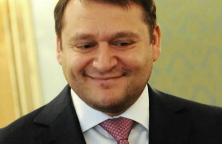Добкін-старший вирішив засадити деревами усю Україну - від Харкова до Карпат