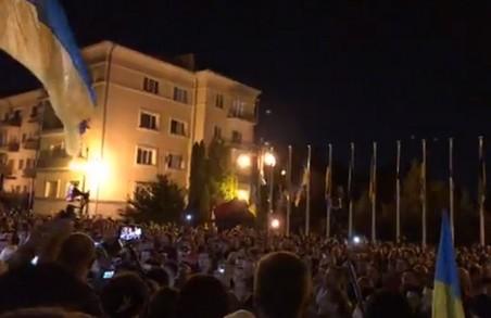 Зеленському сказали «Ні капітуляції!» не тільки у Харкові (ФОТО, ВІДЕО)